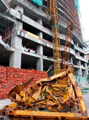 Quảng Ninh-Sập cẩu tại công trình 22 tầng, 1 người tử vong